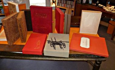 Illustré moderne : notre rayon : la table, une autre vue...